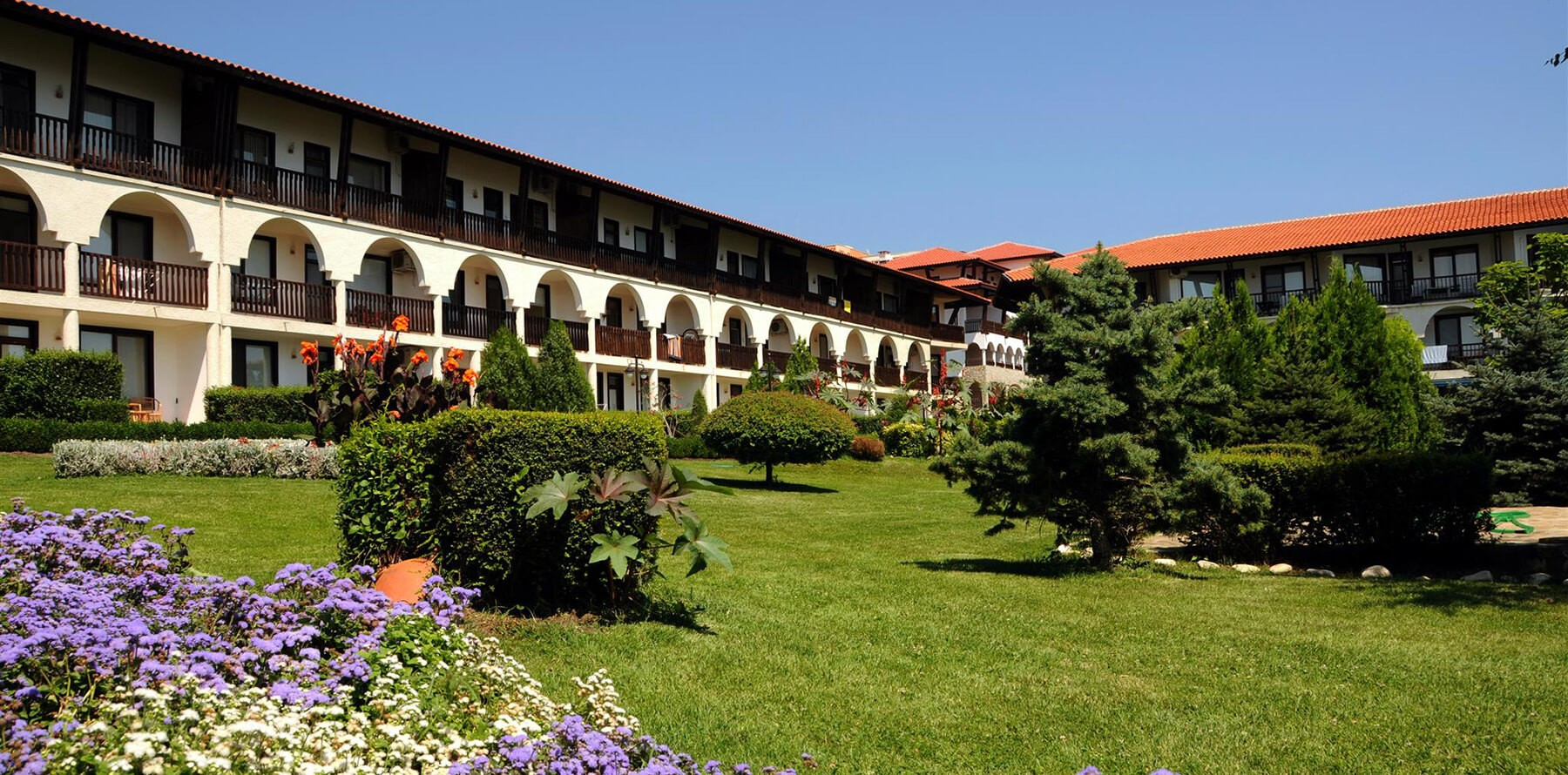 dinevi-estates-manastira-sveti-vlas