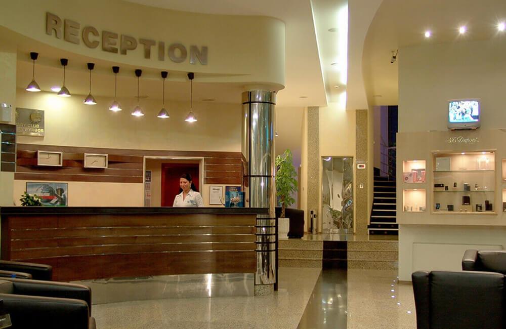 hotel-mirage-reception