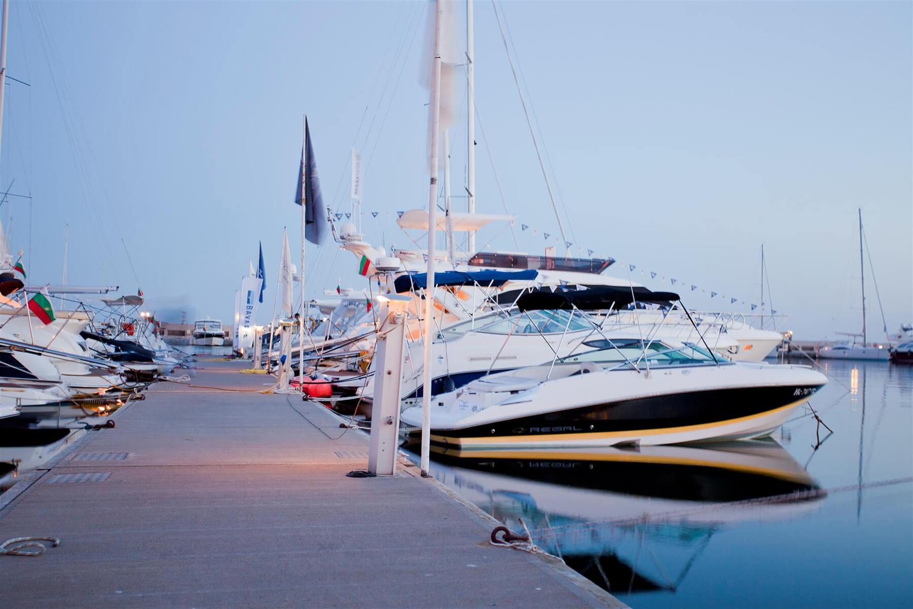 marina-dinevi-port