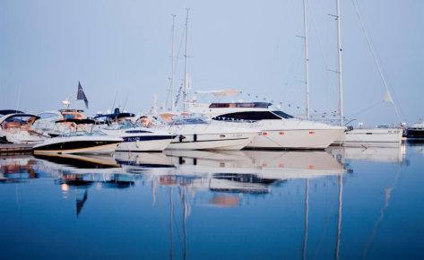 Яхтенный Порт Марина Диневи